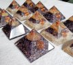 Orgonite piramide Amethist (met Flower of Life) 70-75 mm